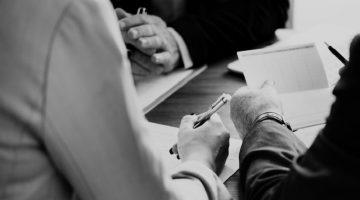 O RFx do ME conta com recursos para monitorar as necessidades de negociação e permite o planejamento fundamentado em compras anteriores, na duração dos contratos e nos históricos de negociação