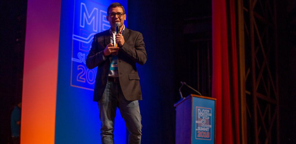 André Bello no palco do ME B2B Summit